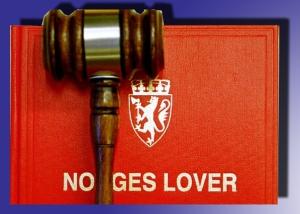 Grunnloven Norges Lover med klubbe