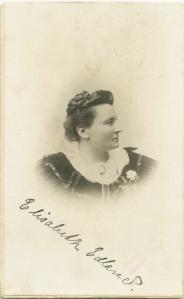 Portrett trolig fra 1898. Foto: Ragnhilda Eriksen, fotografisk atelier, Hamar. Privat eie/Statsarkivet i Stavanger.
