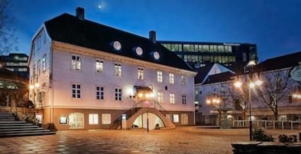 Rosenkildehuset i Stavanger er en historisk bygning med en sentral plass i Grunnlovsjubileet. Bilde og foto fra Næringsforeningen i Stavangerregionen.