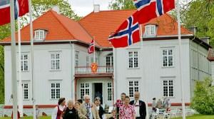 Eidsvoll 17. mai. Foto fra Eidsvoll 1814