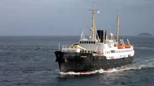 Blant veteranbåtene i konvoien er hurtigruteskipet NORDSTJERNEN, overlevert Det Bergenske Dampskibsselskab (BDS) i 1956.