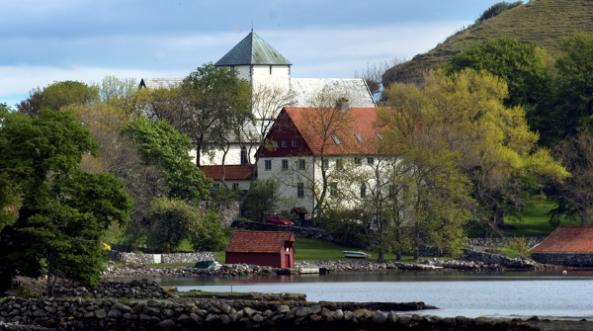 Utstein kloster på Mosterøy i Rennesøy kommune. Vibekes fotostudio.
