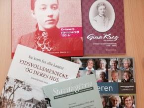 Noen av publikasjonene som er utgitt i anledning av jubileene.